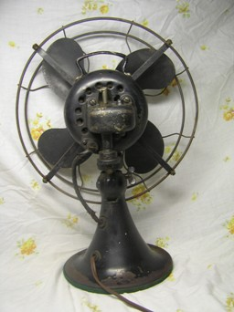 The fan page this 12 inch fan the model 73646 was made in 1938 the 73 series fans were the first to use a capacitor instead of an inductor for startingrunning keyboard keysfo Images